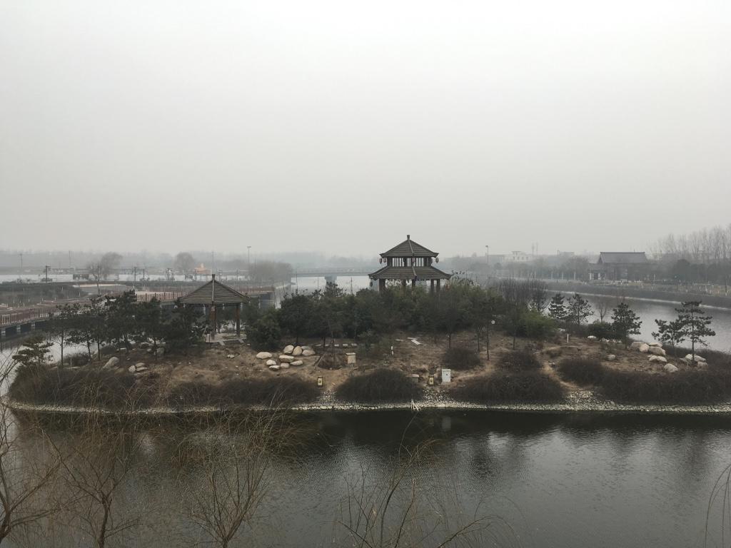 眺望汉城湖