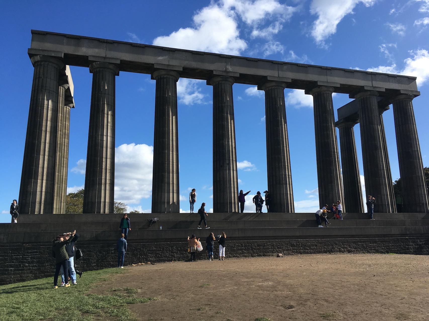 一座未完成的仿古希腊神庙