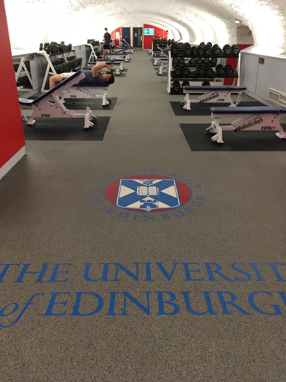 Pleasance Gym是我专注于练麒麟臂的地方。off-peak(工作日下午2点以后不能用)的会员一年只要£60,就可以享受世界级的facilities