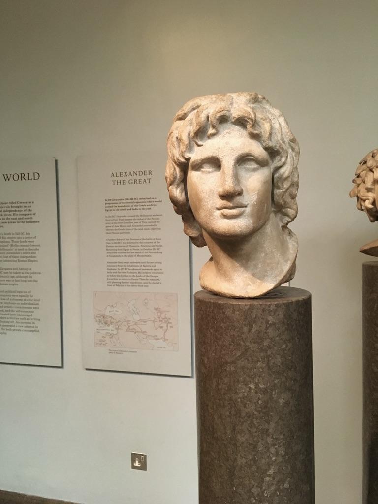 亚历山大大帝(Alexander the Great),356BC-323BC,师从亚里士多德,先后统一希腊、埃及,横扫波斯帝国,建立了当时面积最大的亚历山大帝国(马其顿王国)