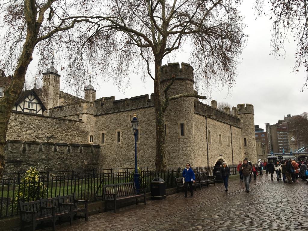 在泰晤士河边散步的时候路过伦敦塔