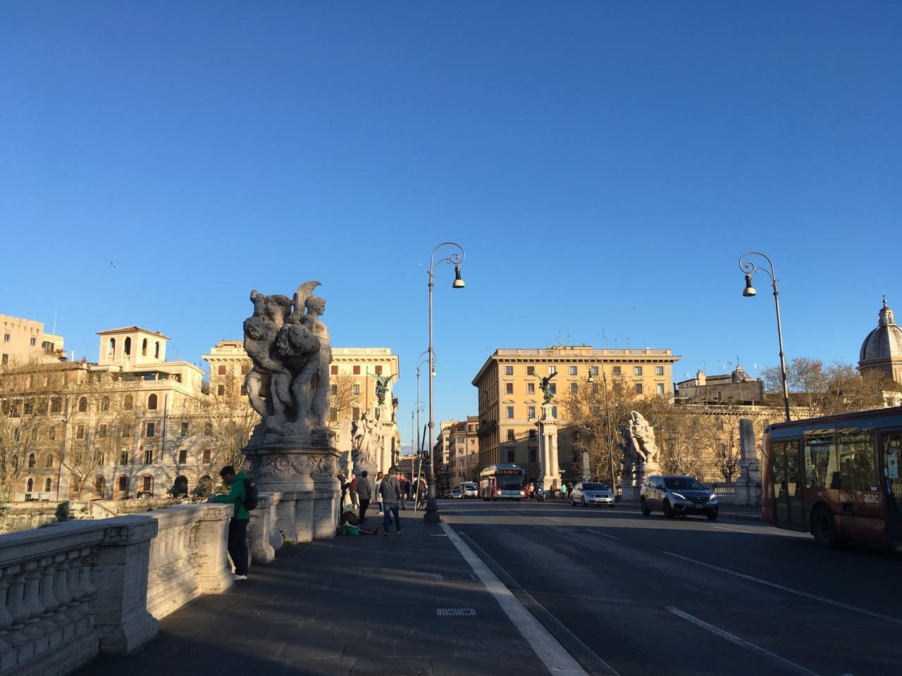 另外一座人少的桥,后来才知道,我已经走到了梵蒂冈!!!