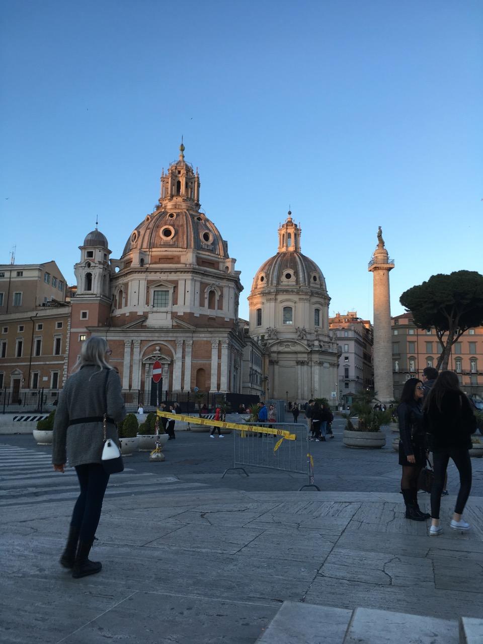 又回到了威尼斯广场