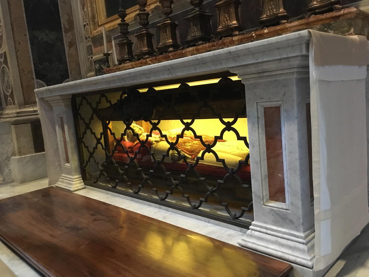 某位教皇的遗体
