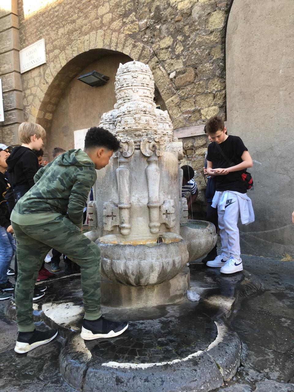 罗马随处可见的喷泉,可以直接喝