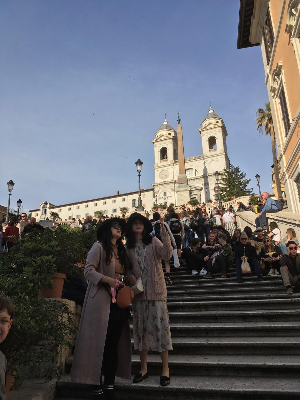 西班牙广场上人满为患