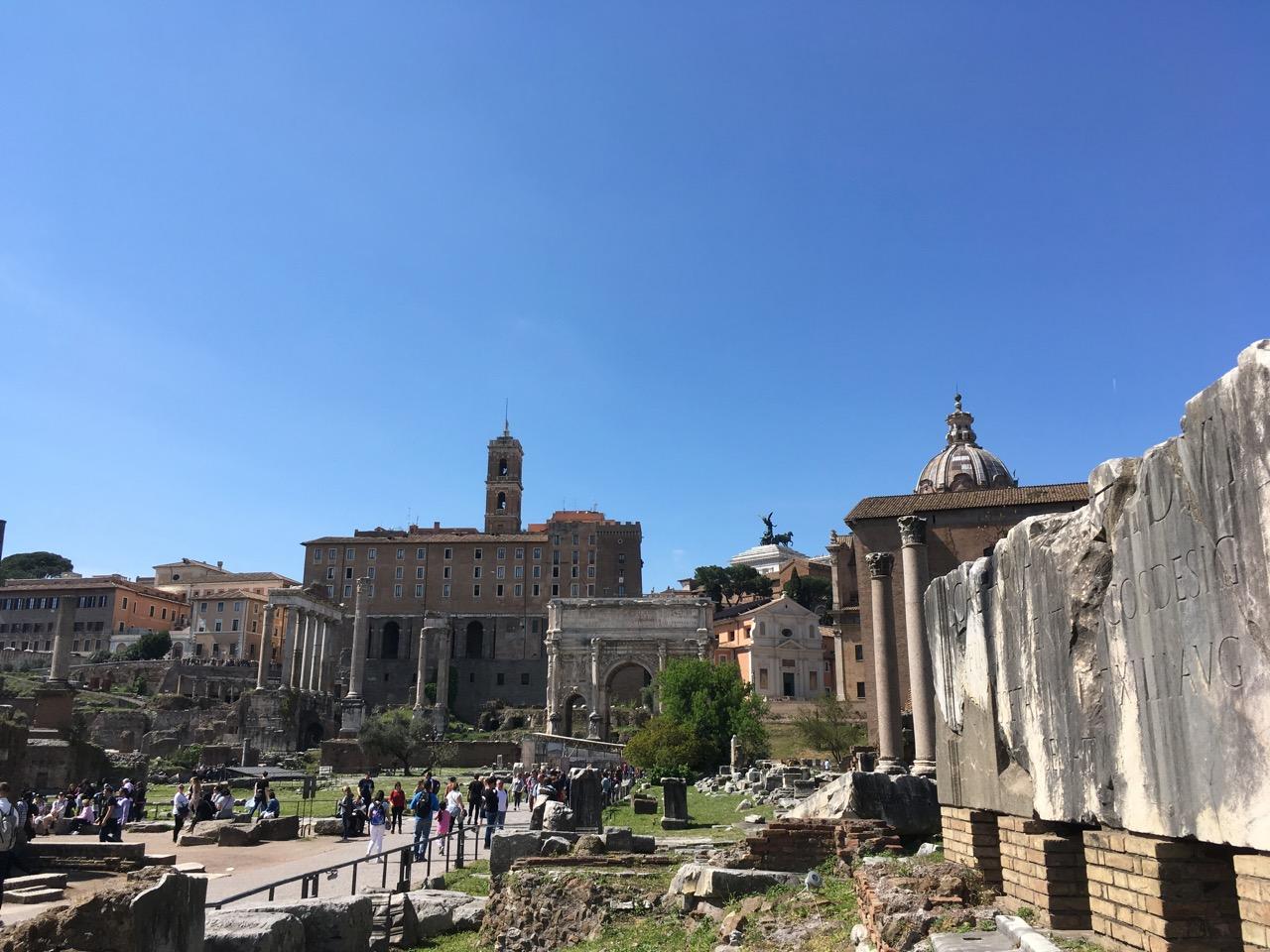 太多古迹了,只能看个大概,不了解历史的话,就是一堆乱石头和破柱子