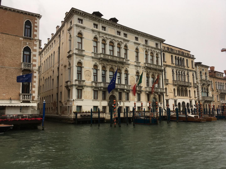 阴沉沉的威尼斯
