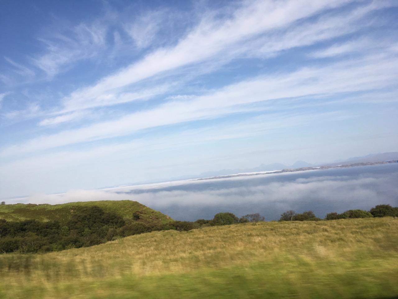 海上云雾缭绕