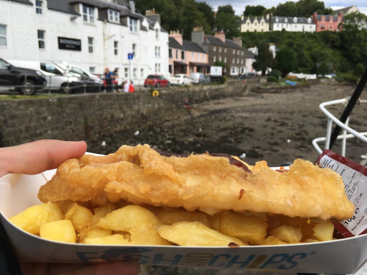 有很多鱼薯店,吃Fish&Chips的人超级多,看到一个女孩的午餐被海鸥抢走了。。